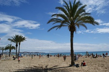 Alicante tourist information about Alicante beaches - kilometres long, sunny and clean - the best beaches in Spain.