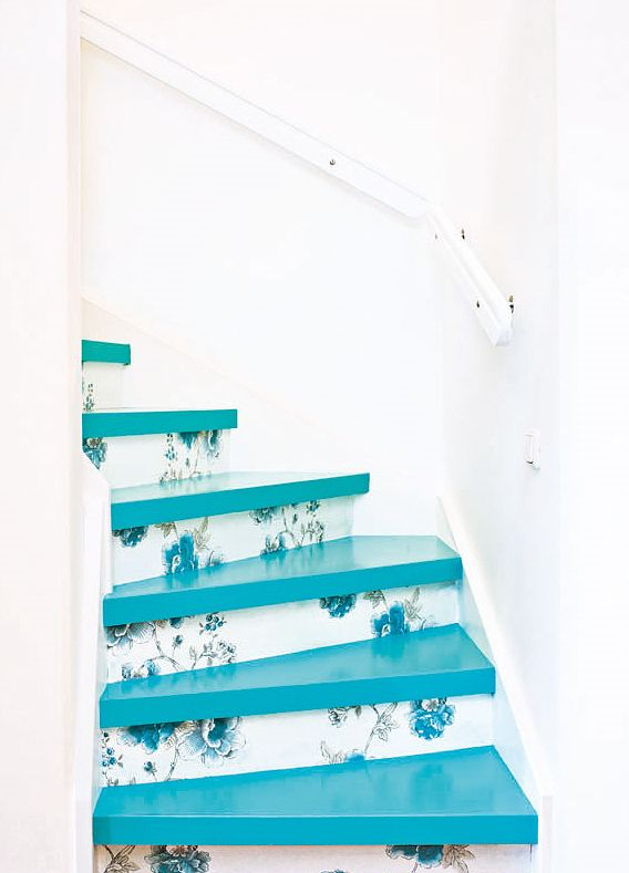 ✿ This would be awesome for my granny's stair! Just the same shape, too...pity she's not there anymore to propose it to her :-(((