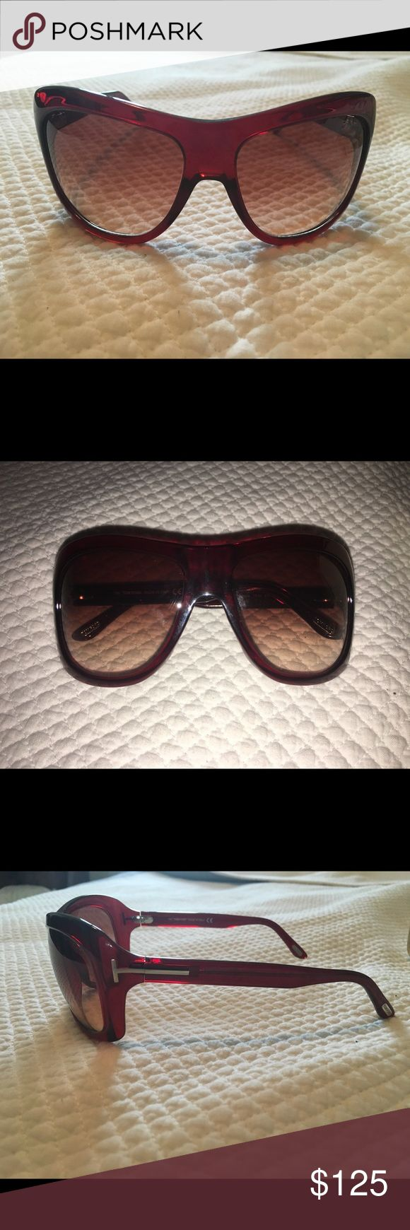 Tom Ford Women's Sunglasses New, beautiful condition Tom Ford sunglasses. Flattering shape and very comfortable to wear. Complete package with cleaning cloth and case. Tom Ford Accessories Sunglasses