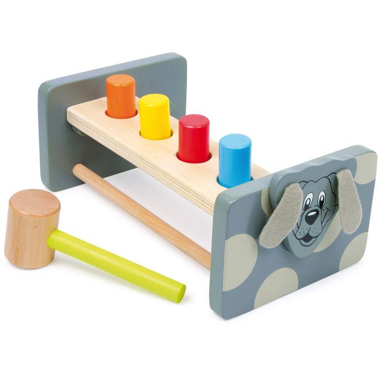Banca de lucru educativă va deveni rapid jucăria preferată a micuțului tău! Ce altceva e mai distractiv decât ciocănirea? După ce fiecare băț de lemn este potrivit cu ciocanul în inelul corespunzător întoarceți bancul de lucru cu capul în jos începeți din nou! #woodentoys #woodentoolkit #kidsplay #jucariidinlemn #jucariionline #jucariieducative
