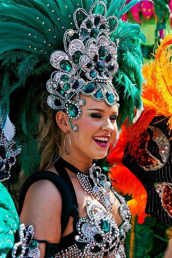 Pin On Disfraces Para El Carnaval