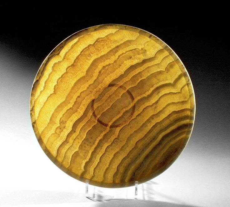 Large concave alabaster plate. 1st- 2nd dynasty, c. 3000-2750 B.C. | Phoenix Ancient Art Gallery
