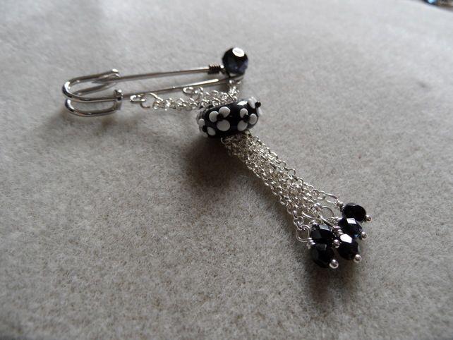 Black and white tassel kilt pin £6.50