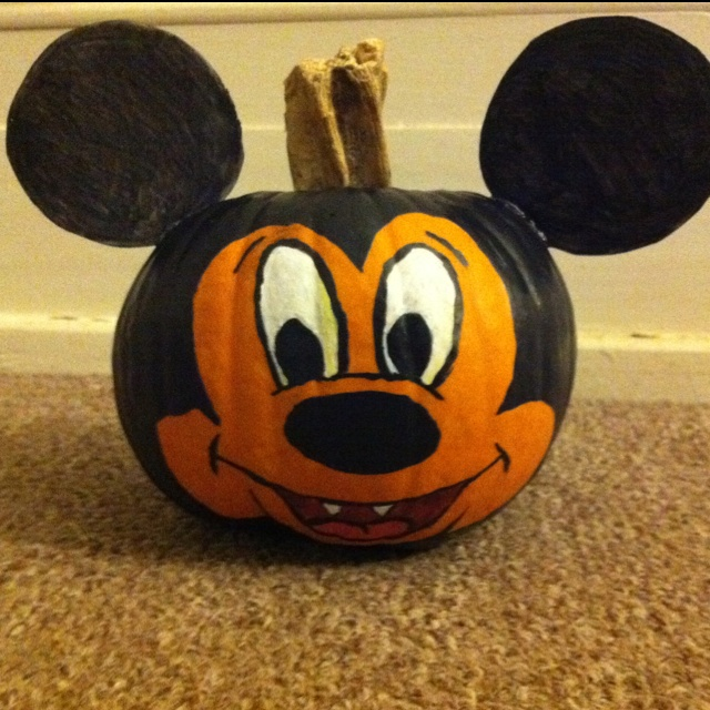 1000 images about pumpkin painting contest on pinterest for Vampire mickey mouse pumpkin template
