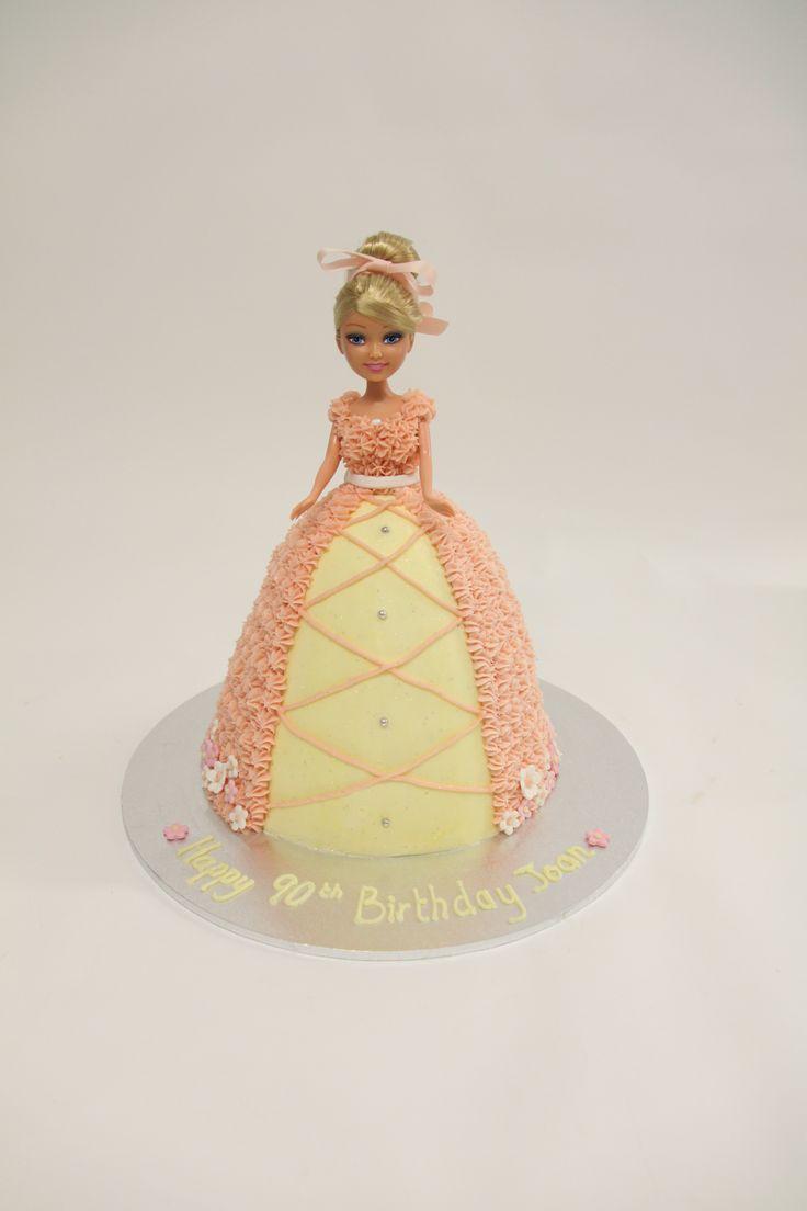 #dollyvarden #birthdaycake #cake #vanillapod #vanillapodspecilatycakes #brisbanecakes #weddingcake #brisbaneweddingcakes #brisbanecafe #noveltycakesbrisbane
