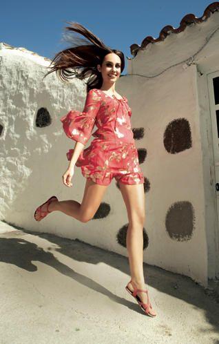 SommerkleiderLuftige Schnitte, tolle Farben: Mit diesen süßen Sommerkleidern im Mini- oder Maxi-Format steigt die gefühlte Temperatur