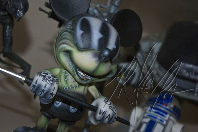 Mickey-Mouse-Mr.Klevra.  designed this custom Mickey Mouse vinyl toy for the Disney Expo in Singapore.