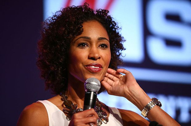 ESPN Replaces Sage Steele With Michelle Beadle As NBA Countdown Host, Twitter Reacts  Sage Steele replaced, twitter rejoices.  http://www.hotnewhiphop.com/espn-replaces-sage-steele-with-michelle-beadle-as-nba-countdown-host-twitter-reacts-news.30903.html  http://feedproxy.google.com/~r/realhotnewhiphop/~3/vRQhoVWiOq0/espn-replaces-sage-steele-with-michelle-beadle-as-nba-countdown-host-twitter-reacts-news.30903.html   #DDCMusic