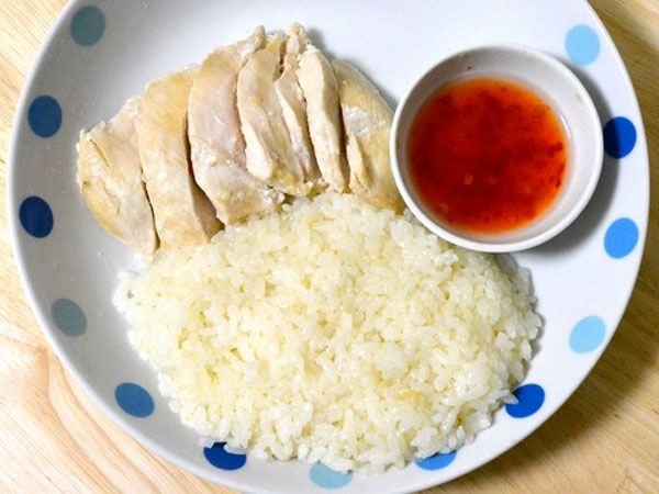炊飯器だけで作る「カオマンガイ」が簡単うまい! タイ料理店のような肉たっぷりチキンライスの作り方 - mitok(ミトク)