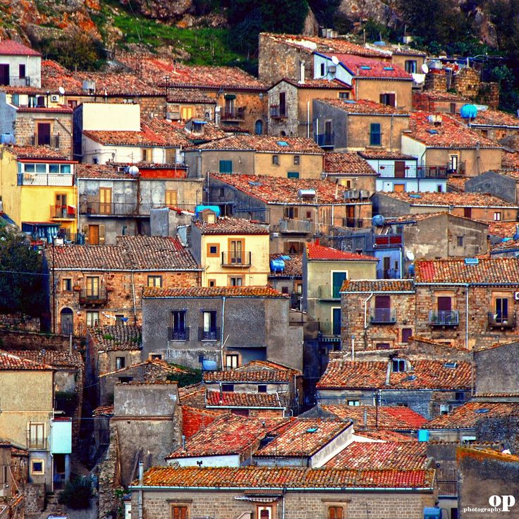 The Old Mistretta, Sicily (via Osvaldo_Zoom)