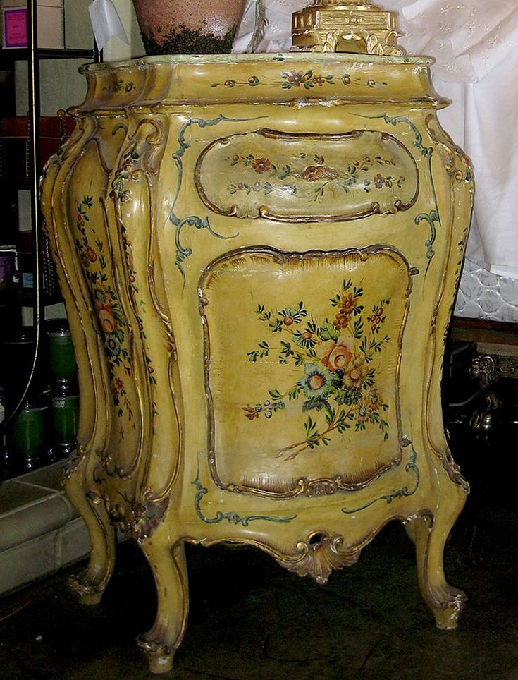1000 images about painted furniture on pinterest hand for Meuble antique kijiji
