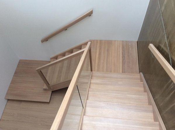 Spesialdesignet trapp i helstav eik! #trondheim #interiordesign #trapp #interior123 #stairs #trapper