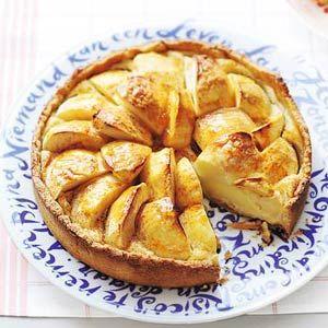 Recept - Appeltaart met amandelspijs en abrikozenjam - Allerhande