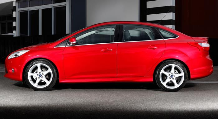 Ford Focus Sedan #BosMobil