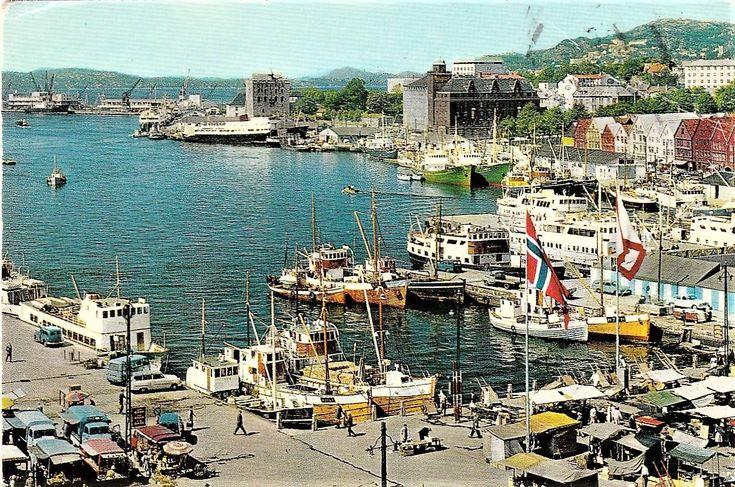 Foto: Johnny Carlsen.   Riktig god formiddag. Dette postkortet fikk Nils Jacobsen i Danmark den 26. juli 1965 fra Wenche. Fotograf var Arne Normann, og kortet er fra egen samling.