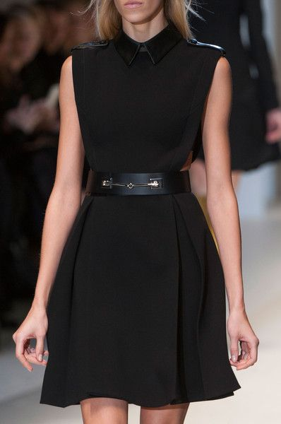 Love this dress.  Gucci Fall 2014 - Details