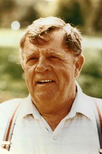 """Pat Hingle (1924 - 2009) He's appeared in """"Splendor in the Grass"""", """"The Gauntlet"""", """"Norma Rae"""" and other movies and was Commissioner Gordon in the """"Batman"""" movies"""