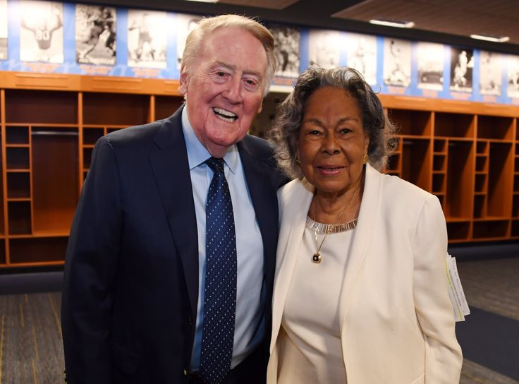In the home of Bruin football @rosebowlgame, UCLA medal winner Rachel Robinson helped unveil her late husband's newest statue. Interesting fact: Jackie and Rachel began their relationship as sweethearts at UCLA. #VIN and Rachel Robinson shown here prior to the Jackie Robinson Statue unveiling at the Rose Bowl.