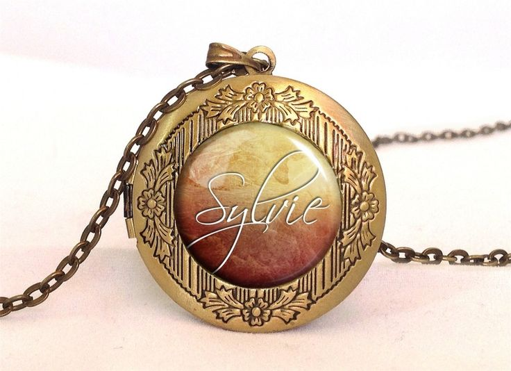 Custom personalized name Locket from EgginEgg by DaWanda.com
