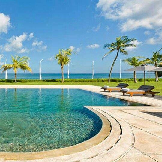 www.geriabalivacation.com/villa-atas-ombak/