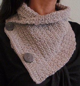 free crochet pattern - crocheted cowl