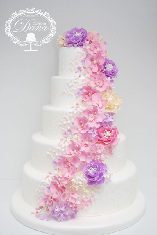 Wedding cake whit flowers