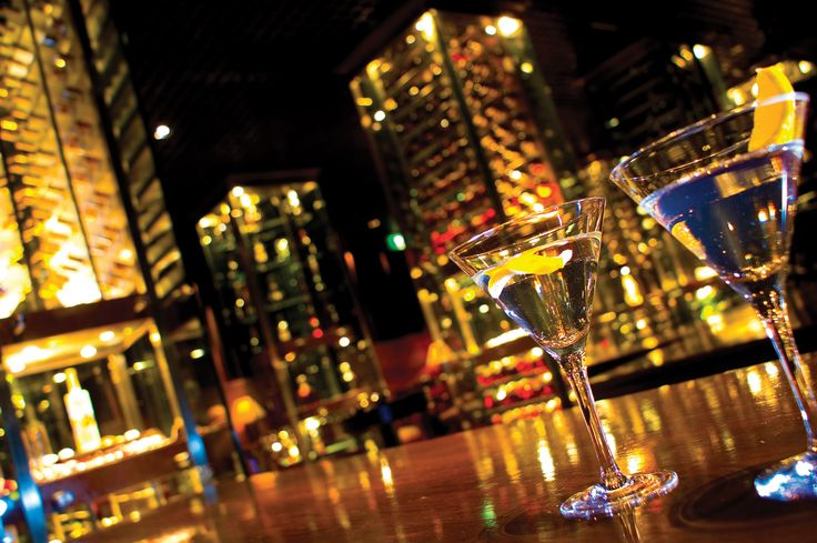 Grab a cocktail and enjoy the 360-degree view of Shanghai at Cloud 9 at Grand Hyatt Shanghai.