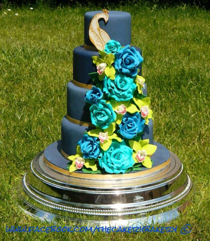 Peacock Feather Wedding Cake: 17 Best Images About Peacock Wedding Cakes On Pinterest