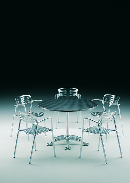 París 5 Table And Toledo Chairs. Designed By Jorge Pensi