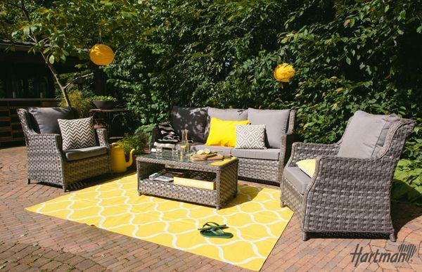 Een echte sfeermaker voor in uw #tuin! Met deze Hillary club #loungeset van #Hartman creëert u eenvoudig een gezellige zithoek in uw #tuin.