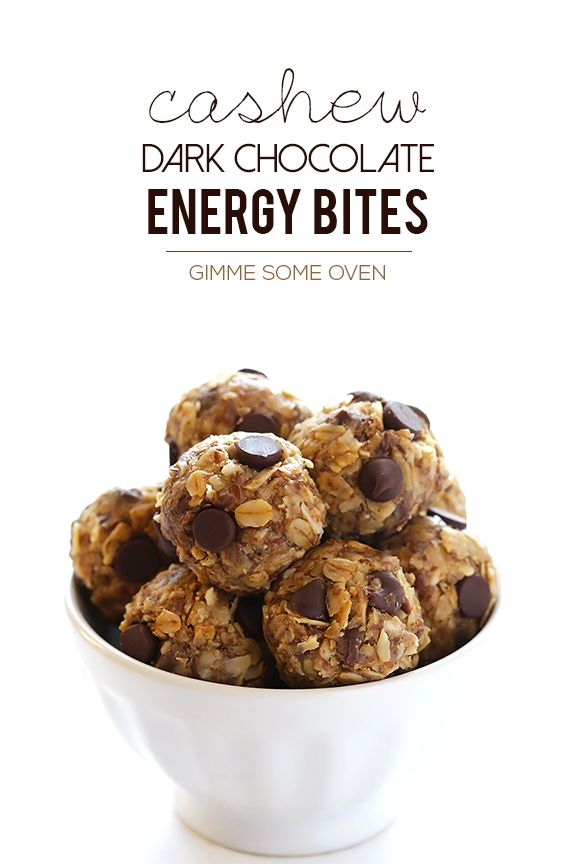 Cashew Dark Chocolate Energy Bites -- easy to make, and perfect for snacking, breakfast or dessert! | gimmesomeoven.com #glutenfree #vegan