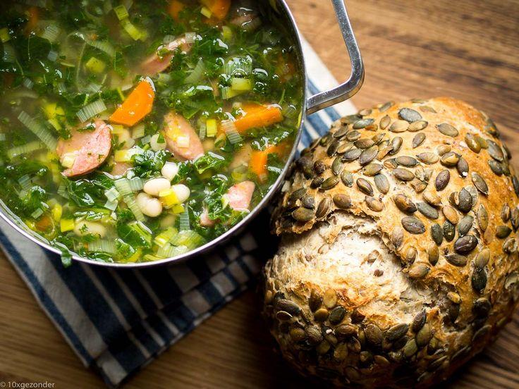 Boerenkoolsoep met rookworst en witte bonen. Een echte soep voor in de winter, die je weer bovenop een griepje kan helpen. Want wintergroente, zoals boerenkool, zijn supergezond voor je. Je zou veel van de wintergroente zelfs tot superfood kunnen bestempelen. Wanneer je een beetje grieperig bent, eet dan dit recept. Voorheen hield ik helemaal niet […]