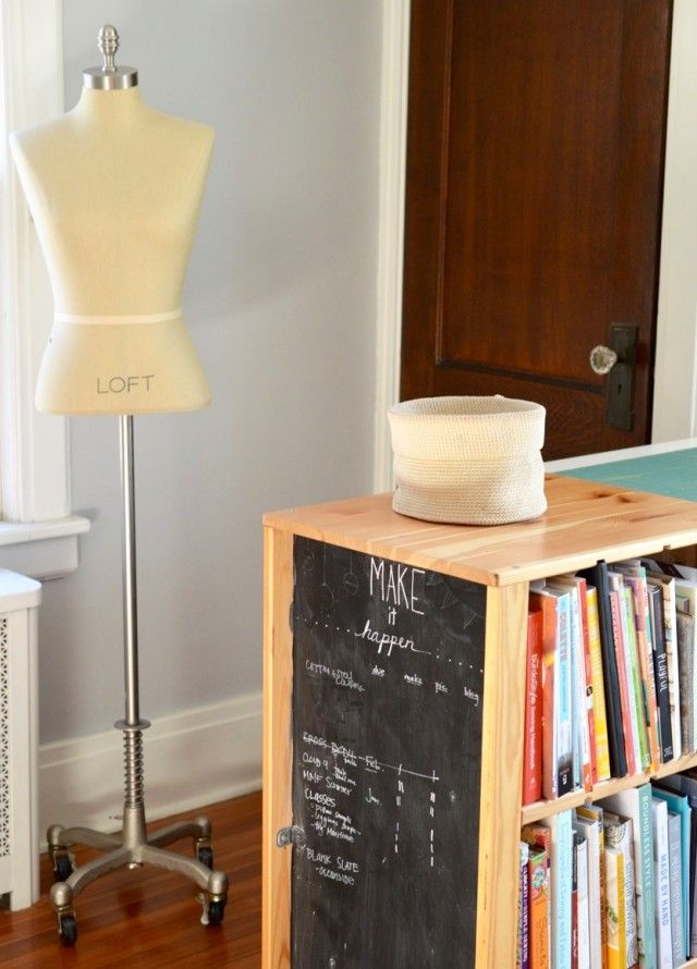 where I sew : Sewing Studio Tour // a happy stitch    Check out this small space sewing and craft room. Great organizing ideas.