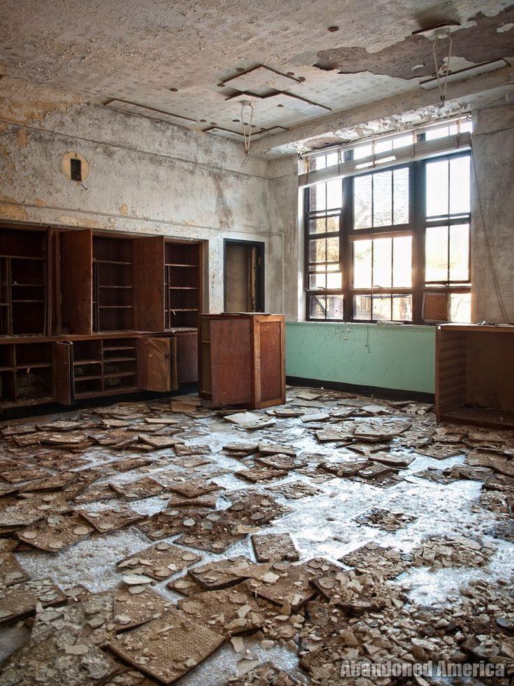 Undercliff Sanatorium (Meriden, CT) Icy Asbestos Tiles