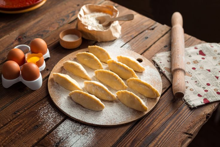 Peruvian Empanadas with Cretan Myzithra and Peach Compote | Πιτάκια από το Περού με Μυζήθρα Κρήτης και Ροδάκινα Κομπόστα