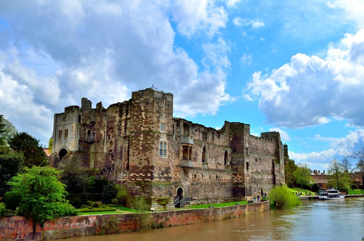 Newark Castle, <b>Nottinghamshire, England</b> | Middle Lands | Pinterest
