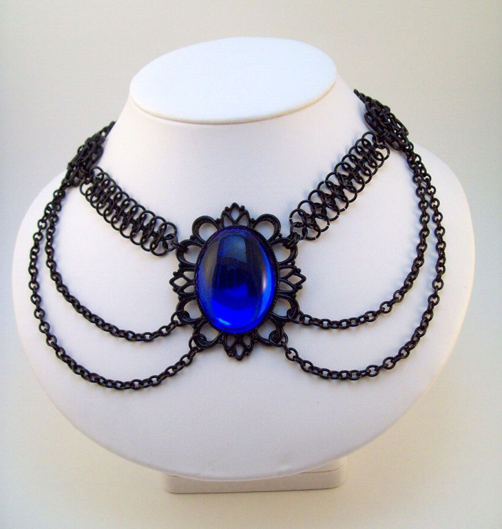 chainmaille necklace, choker.  Gothic jewelry, goth, fae, costume.. $35.00, via Etsy.