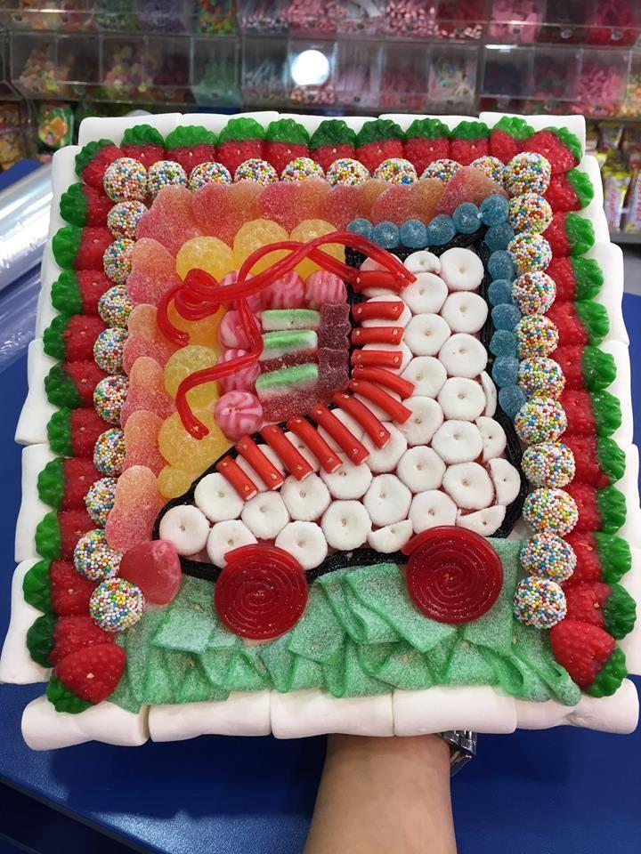 Duldi Mahón ha personalizado esta original tarta dulce para nu aficionado a los patines.