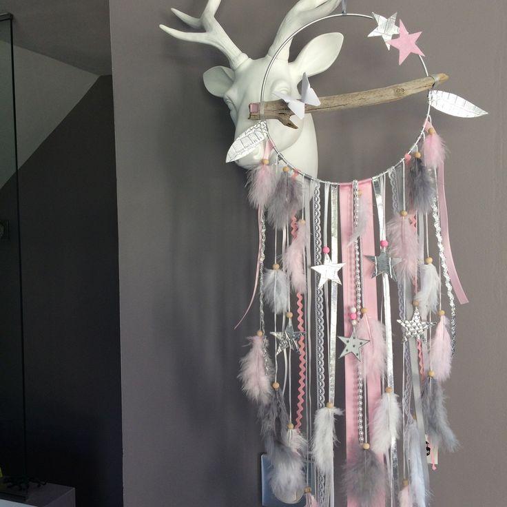 Attrape rêves en bois flotté, plumes, étoiles et perles bois : Décorations murales par marcelmeduse