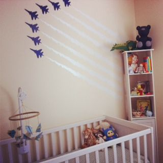 Modern nursery with vintage accents – Airplane Decor / Crafts