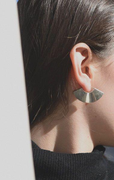 kathleen whitaker small fan earrings | anaise.