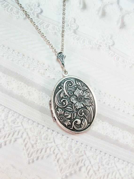 Wildflower Locket by birdzNbeez on Etsy