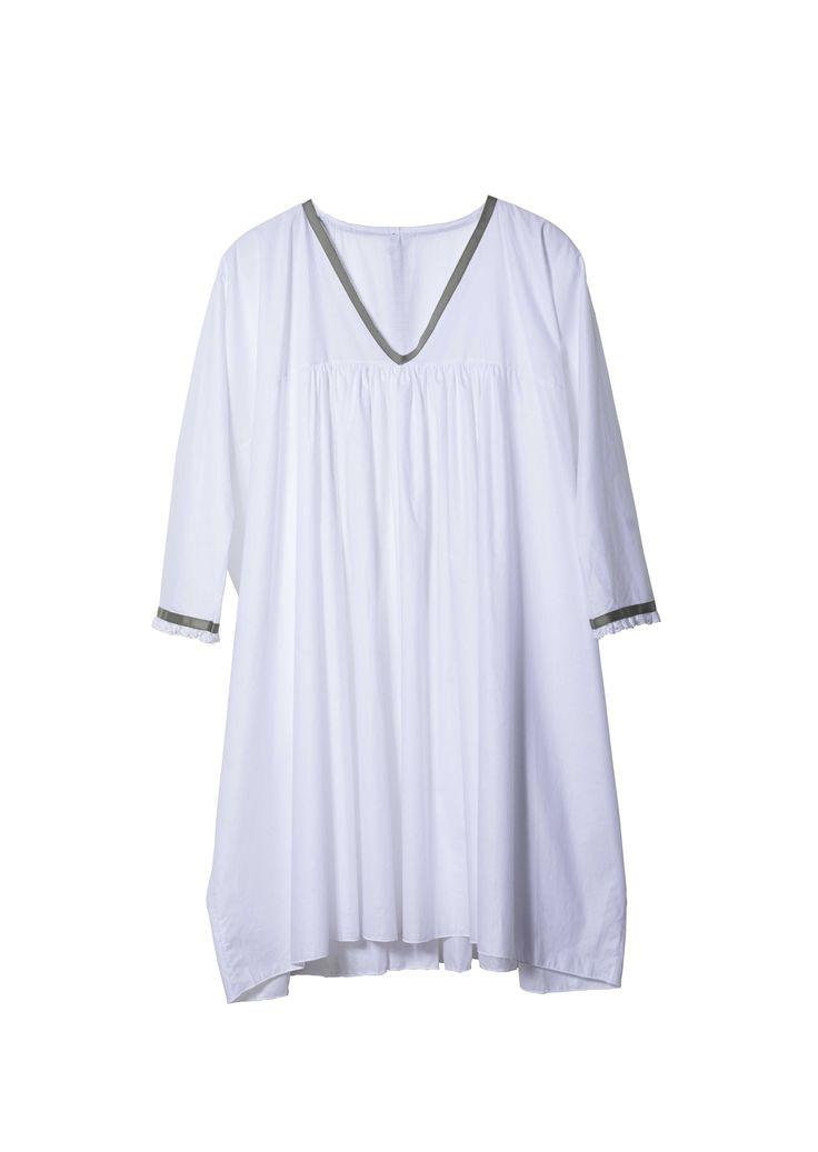 Pique-nique moquette - Chemise de nuit blanche en 100% coton d'exception et dentelle de Calais