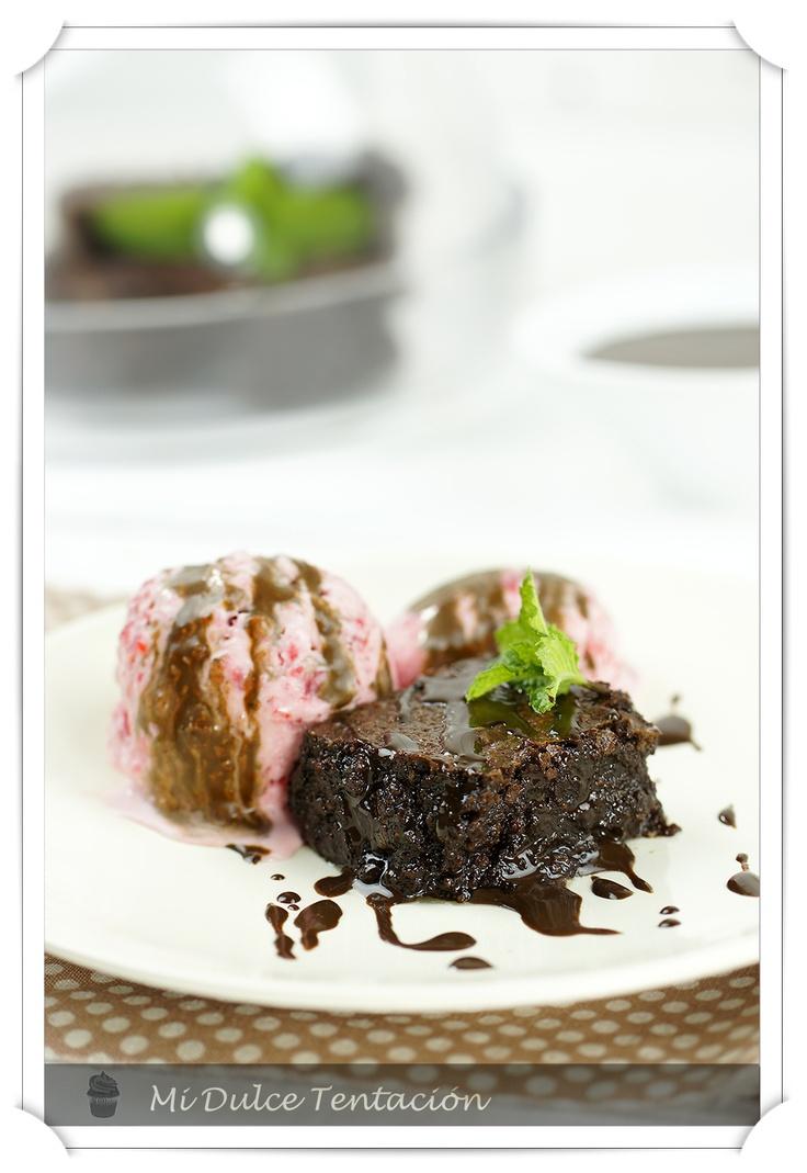 Brownie de Chocolate sin harina con Salsa de Chocolate Caliente