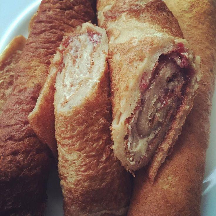 Myprotein Pancake-Mix with Pb2 and Buff-Bake white Chocolate  #foodporn #myprotein #breakfast #pancakes #pb2 #buffbake #eat #eatclean #instafood #foodgasm #frühstück #bodybuilding #bodytransformation #roadtogloryjilsai #essenmachtspass #gesundabnehmen #kekse #scheißaufnutelladasistbesser #tavicastro #devinphysique #fitnessrezepte #1minutemeals by fitcouple_x3