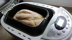 mmm no hay nada más agradable que levantarse por la mañana y sentir el olor inconfundible del PAN CASERO recién hecho :P No dejes de hacer esta receta de Pan Campesino que es ideal para panificadora pero si no tienes máquina se puede hacer igual en horno normal >>> http://elrincondelaurag.com/receta-pan-lactal-campesino/ <<< #PanCasero #Panificadora #Bread #Baking #Horneado #Pan