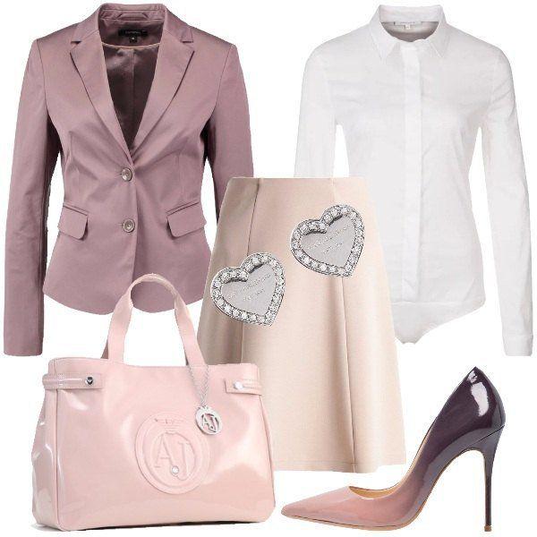 Outfit composto da gonna a campana, camicia bianca con colletto classico, blazer con bavero, décolleté in pelle, borsa a mano con chiusura magnetica e orecchini a forma di cuore.