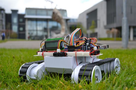 Projeto de um Rover IoT com Arduino Mega