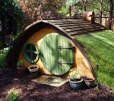 Another pinner says: Forget tree houses and mini kitchens ~~ I'm building my children a hobbit hole.