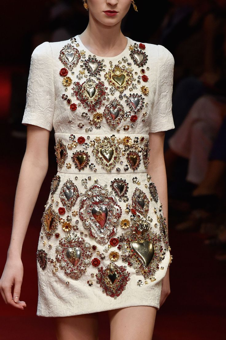 288 details photos of Dolce & Gabbana at Milan Fashion Week Spring 2015.
